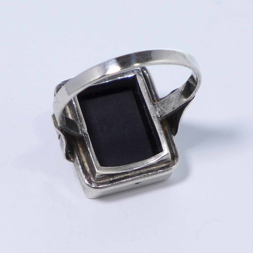 Onyx ring from the 1920s