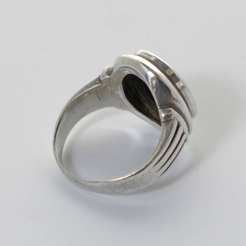 Silver ring with oval onyx