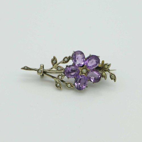Brooch with Amethyst Flower from the 19th Century