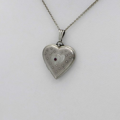 Kordes & Lichtenfels - Silver medallion with hearts