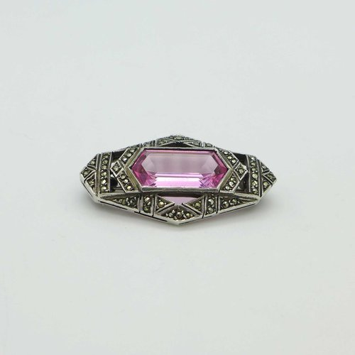 Art Déco brooch with pink spinel and marcasites