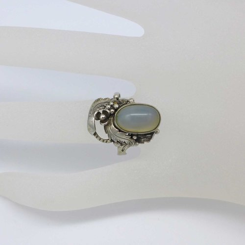 Floral silver ring with chalcedony