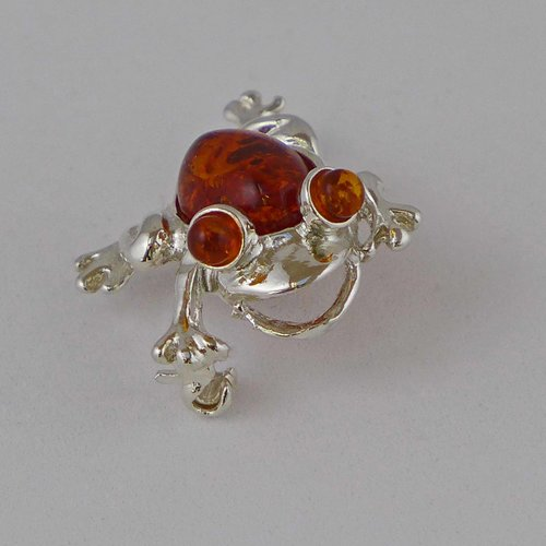 Frog silver brooch with amber