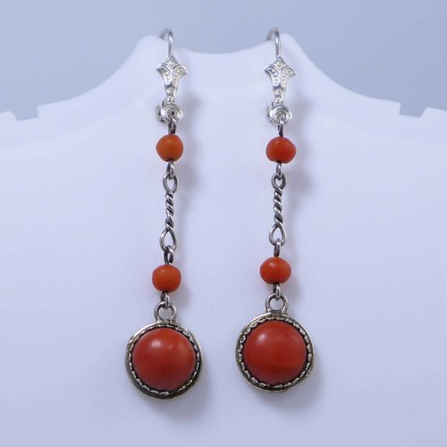 Long coral earrings from the 1920s